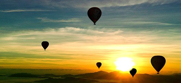 Daily-Scenic Sunrise Hot Air Balloon Rides from Cairns and Port Douglas